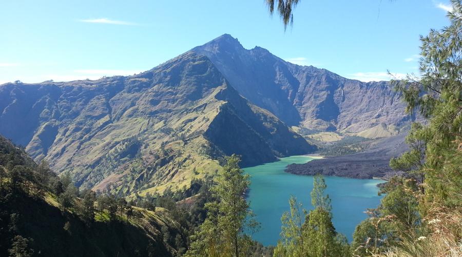 Indonesia- Mt Rinjani Trek